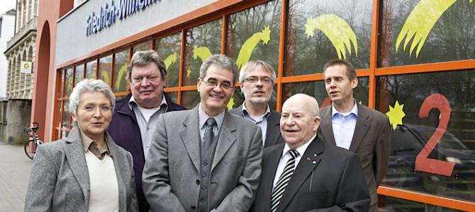 Vorstand mit Ehrenvorsitzendem